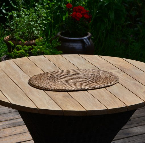 04/9PL4 Oval Rattan Placemat Display