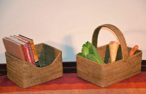 05/9057 11-9574 Shaped Storage - Picnic Basket Display