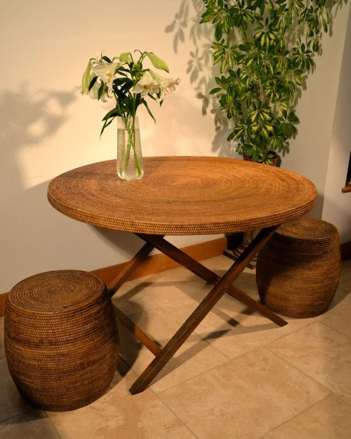 19/9044 18/9055 Rattan Table with Drum Stool Display