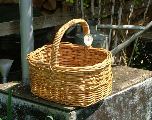 05/575 Small Oval Shopping Basket Display