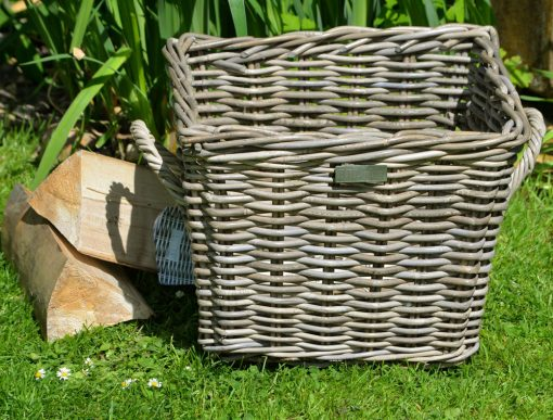 10/8008 Small Square Grey Log Basket Display