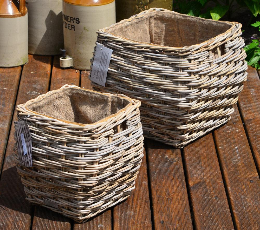 10/7007 Set Of 2 Square Grey Lined Log/Storage Baskets Display