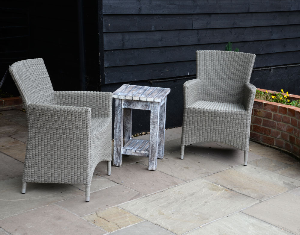 19/8033 Side Table with 16/7050 Sardinia All Weather Chairs