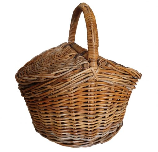 05/457 Oval Lidded Picnic Basket
